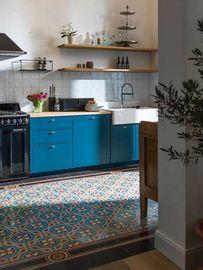 Zementmosaikplatten in der Küche